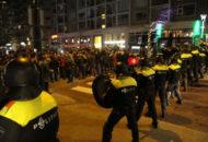 hollanda-polisi-turklere-kopeklerle-saldirdi-9362980_232_m